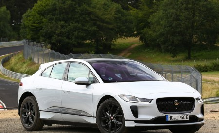 2019 Jaguar I-PACE EV400 AWD S (Color: Yulong White) Front Three-Quarter Wallpapers 450x275 (175)
