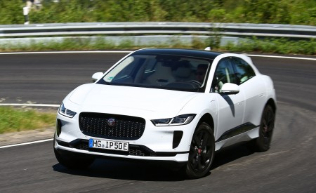 2019 Jaguar I-PACE EV400 AWD S (Color: Yulong White) Front Three-Quarter Wallpapers 450x275 (160)