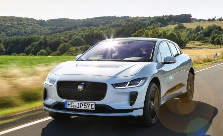 2019 Jaguar I-PACE EV400 AWD S (Color: Yulong White) Front Wallpapers 450x275 (169)