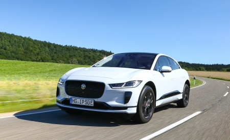 2019 Jaguar I-PACE EV400 AWD S (Color: Yulong White) Front Wallpapers 450x275 (170)