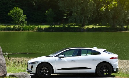 2019 Jaguar I-PACE EV400 AWD S (Color: Yulong White) Side Wallpapers 450x275 (180)