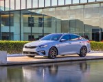 2019 Kia Optima Front Three-Quarter Wallpaper 150x120 (16)