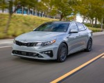 2019 Kia Optima Front Three-Quarter Wallpaper 150x120 (15)