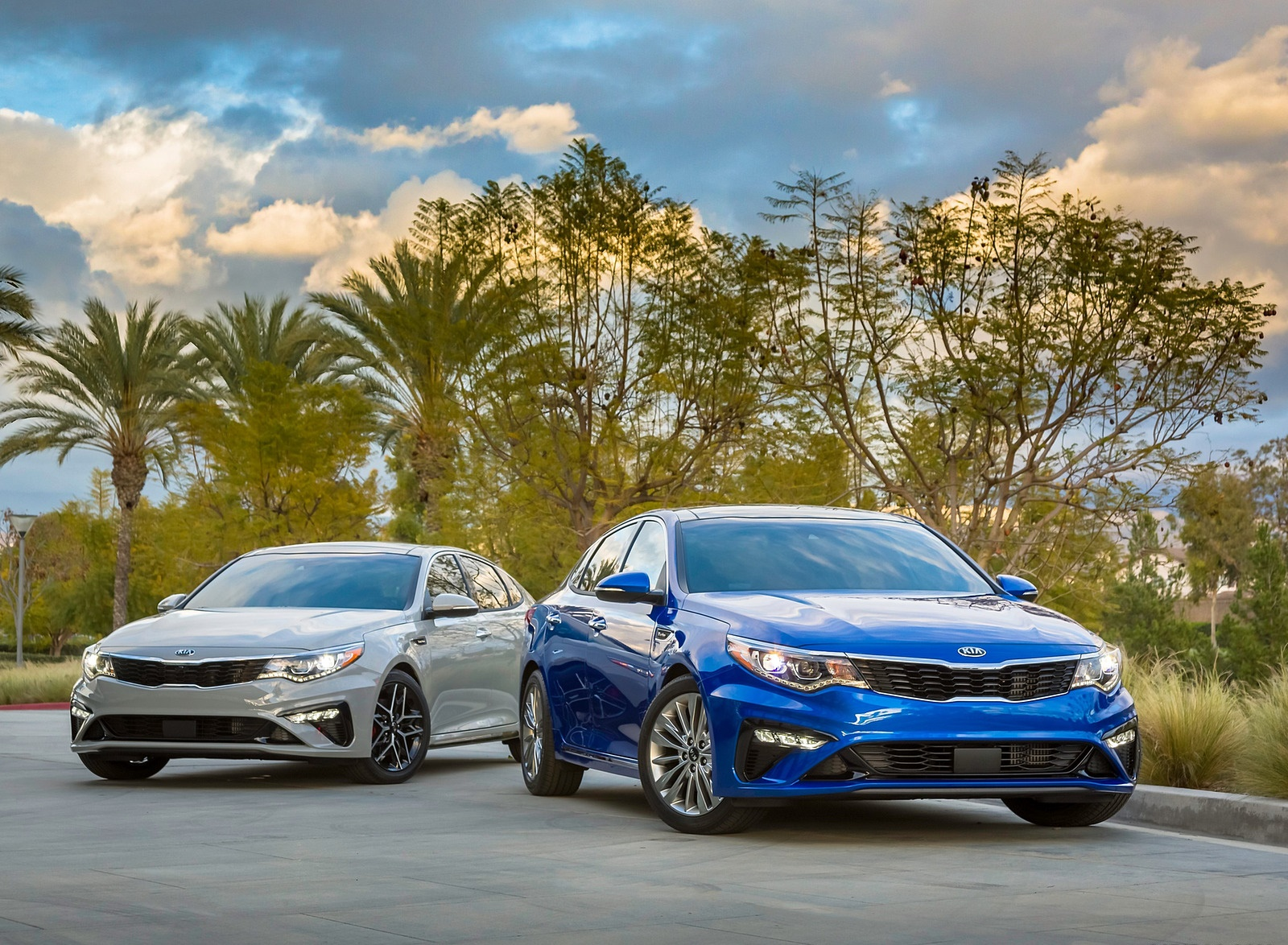 2019 Kia Optima Front Wallpaper (10)