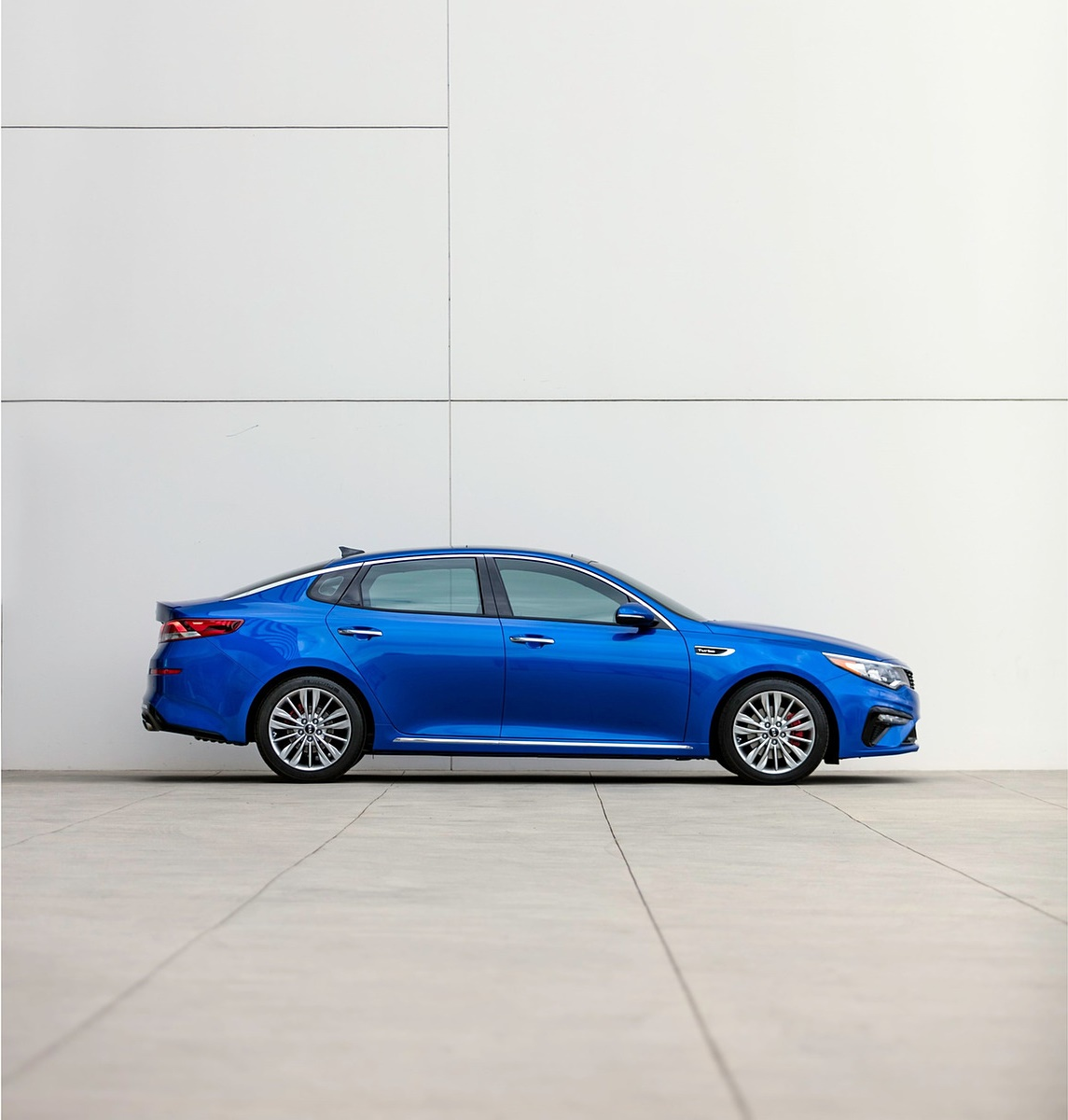 2019 Kia Optima Side Wallpaper (11)