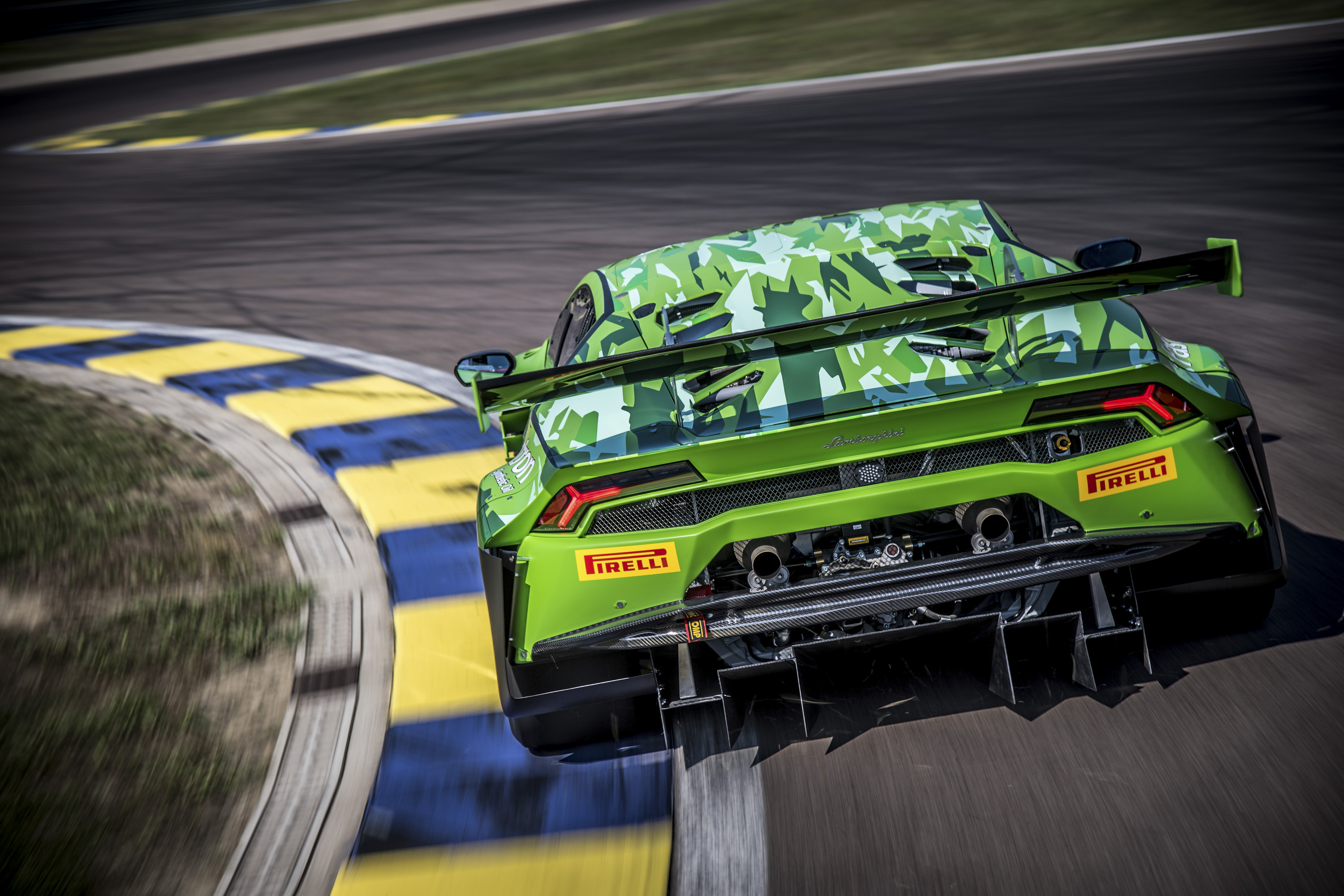 2019 Lamborghini Huracán GT3 EVO Rear Wallpaper (8)