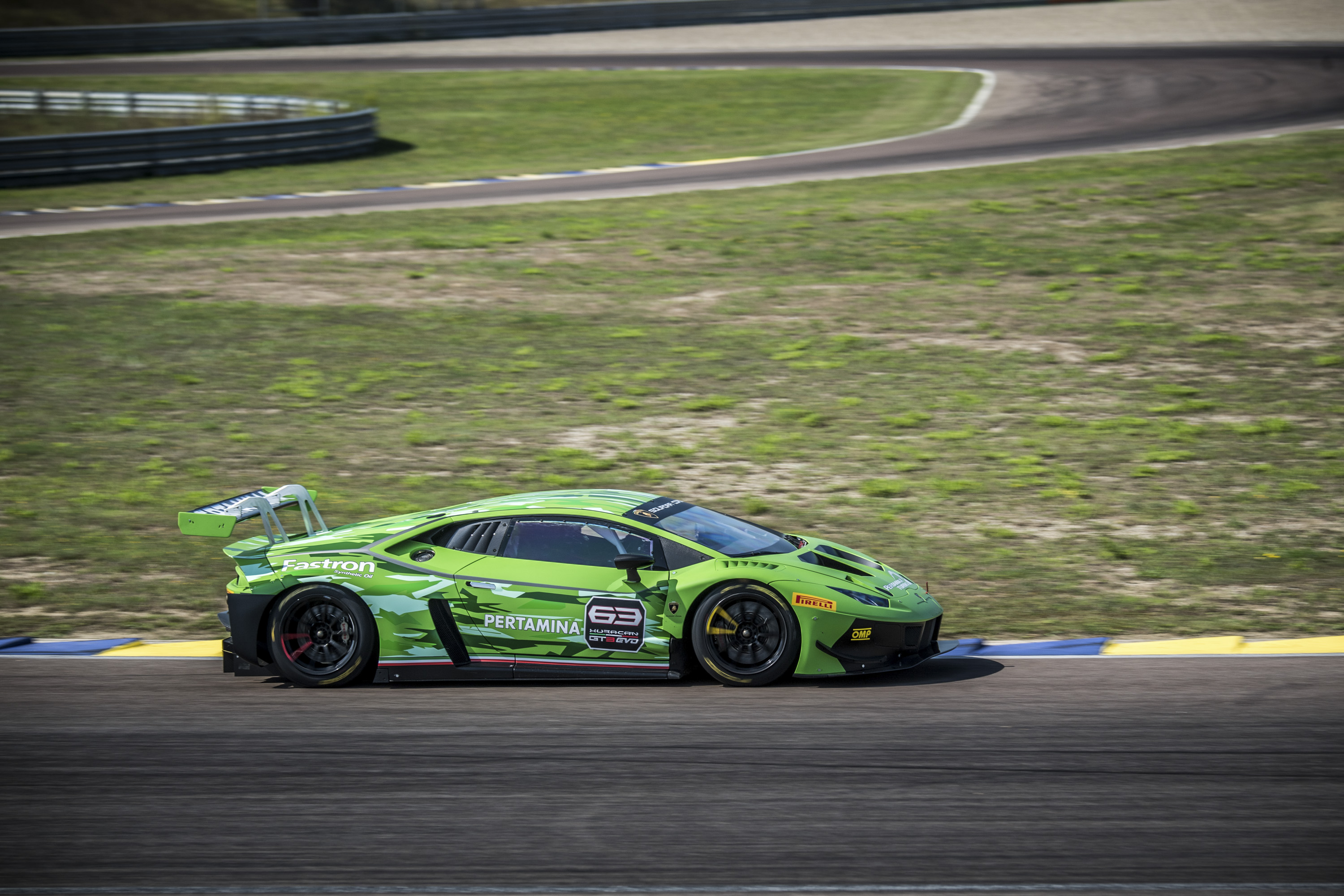 2019 Lamborghini Huracán GT3 EVO Side Wallpaper (9)