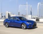 2019 Lexus ES 350 F-Sport Front Three-Quarter Wallpapers 150x120 (36)