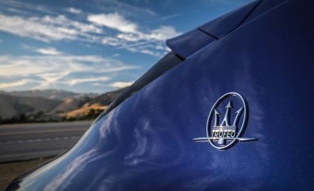 2019 Maserati Levante Trofeo Badge Wallpapers 450x275 (44)