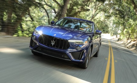 2019 Maserati Levante Trofeo Front Three-Quarter Wallpapers 450x275 (8)