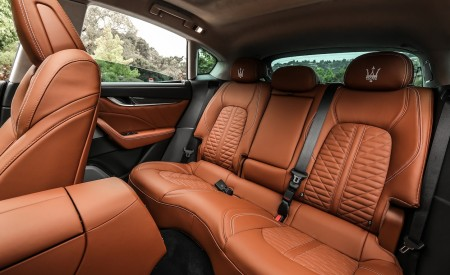 2019 Maserati Levante Trofeo Interior Rear Seats Wallpapers 450x275 (52)