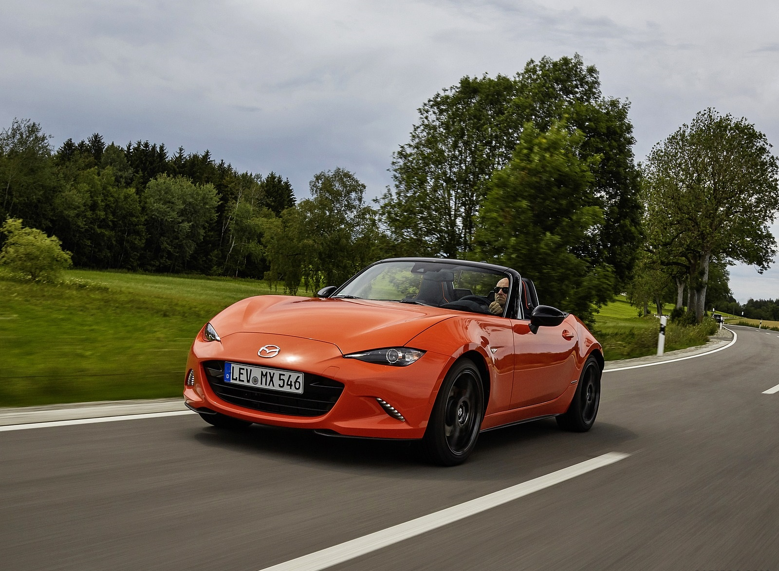 2019 Mazda MX-5 Miata 30th Anniversary Edition Front Three-Quarter Wallpapers (9)