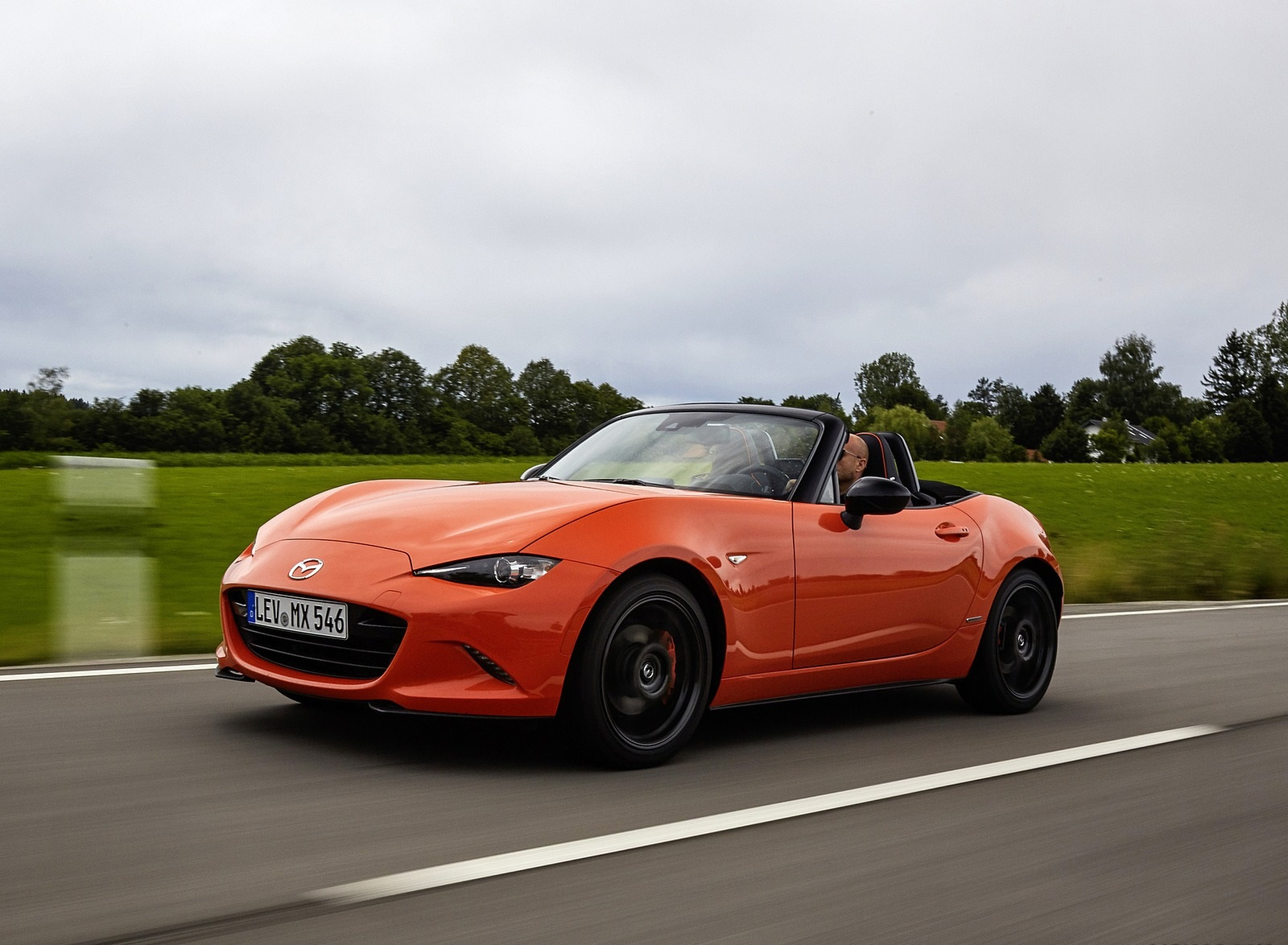 2019 Mazda MX-5 Miata 30th Anniversary Edition Front Three-Quarter Wallpapers (13)