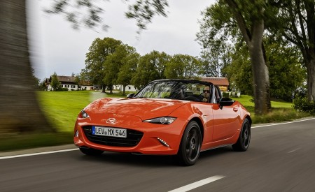 2019 Mazda MX-5 Miata 30th Anniversary Edition Front Three-Quarter Wallpapers 450x275 (3)