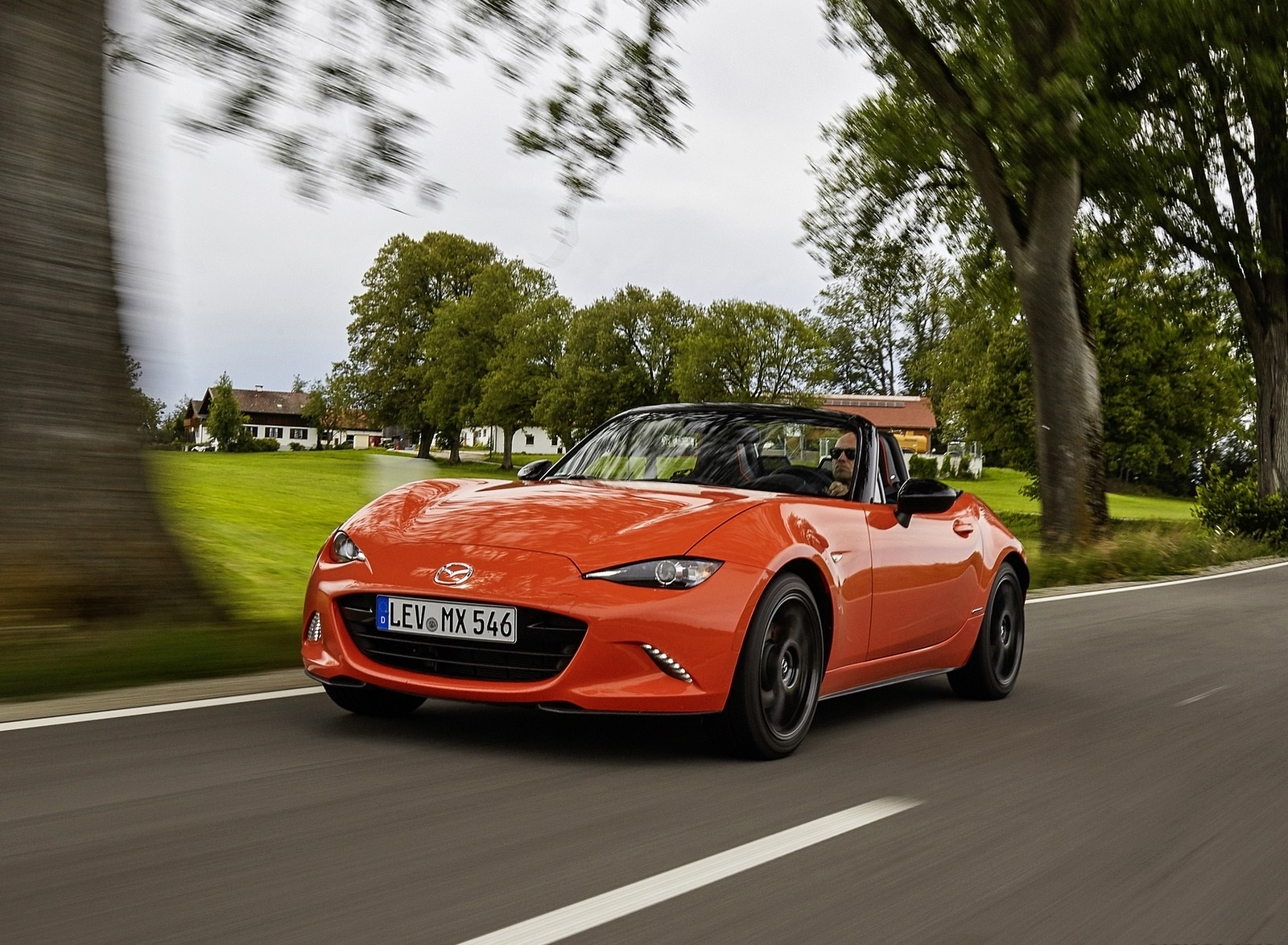 2019 Mazda MX-5 Miata 30th Anniversary Edition Front Three-Quarter Wallpapers (3)