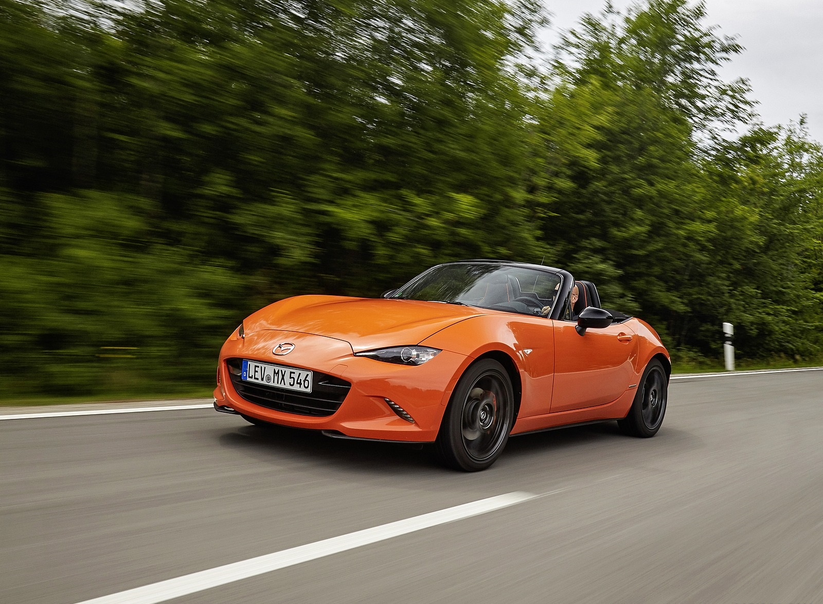 2019 Mazda MX-5 Miata 30th Anniversary Edition Front Three-Quarter Wallpapers (14)