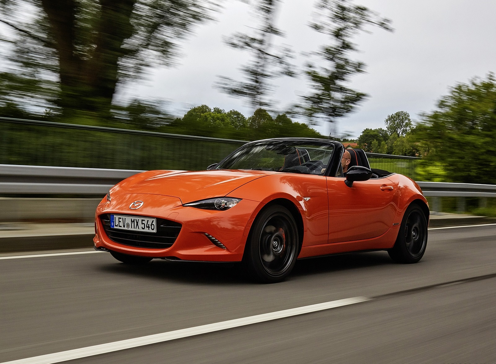 2019 Mazda MX-5 Miata 30th Anniversary Edition Front Three-Quarter Wallpapers (15)