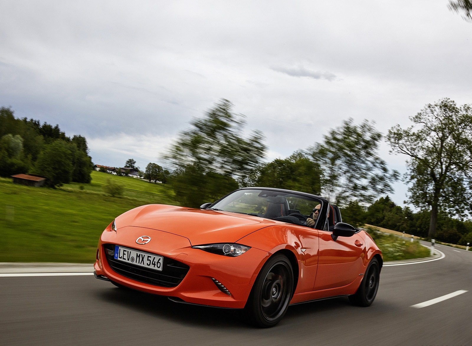 2019 Mazda MX-5 Miata 30th Anniversary Edition Front Three-Quarter Wallpapers (5)