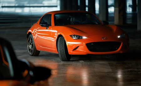 2019 Mazda MX-5 Miata 30th Anniversary Edition Front Three-Quarter Wallpapers 450x275 (79)
