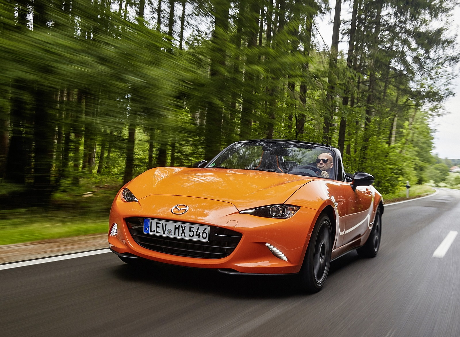 2019 Mazda MX-5 Miata 30th Anniversary Edition Front Three-Quarter Wallpapers (6)