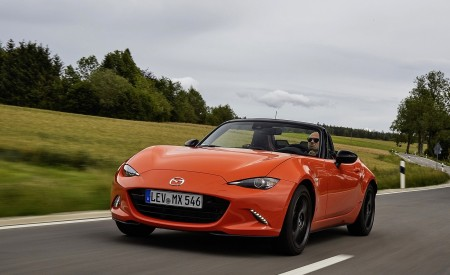 2019 Mazda MX-5 Miata 30th Anniversary Edition Front Three-Quarter Wallpapers 450x275 (8)