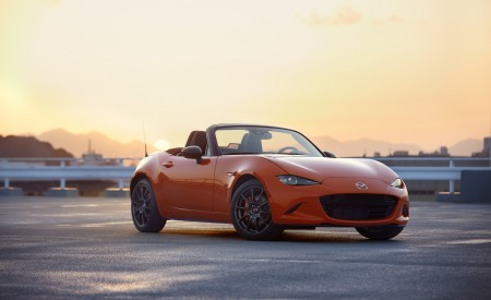 2019 Mazda MX-5 Miata 30th Anniversary Edition Front Three-Quarter Wallpapers 450x275 (76)