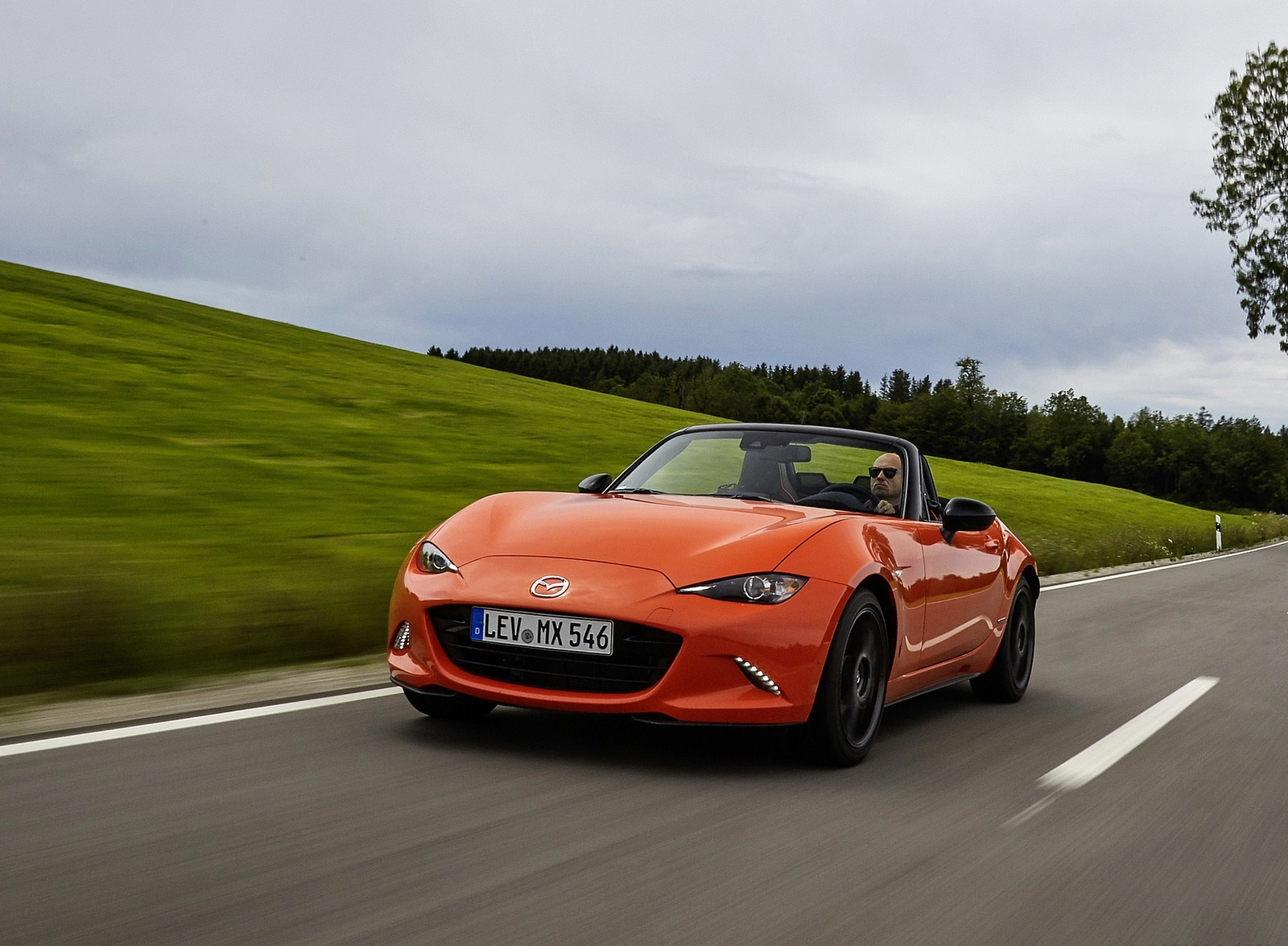 2019 Mazda MX-5 Miata 30th Anniversary Edition Front Three-Quarter Wallpapers (10)