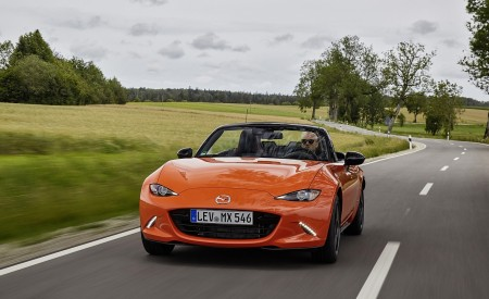 2019 Mazda MX-5 Miata 30th Anniversary Edition Front Wallpapers 450x275 (40)