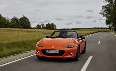 2019 Mazda MX-5 Miata 30th Anniversary Edition Front Wallpapers 450x275 (31)