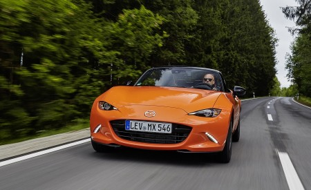 2019 Mazda MX-5 Miata 30th Anniversary Edition Front Wallpapers 450x275 (21)