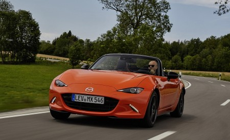 2019 Mazda MX-5 Miata 30th Anniversary Edition Front Wallpapers 450x275 (12)