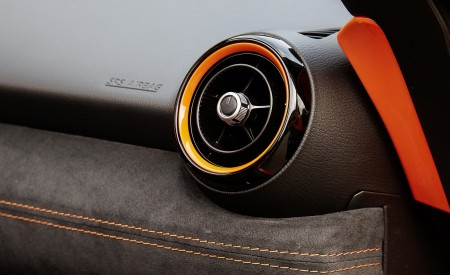 2019 Mazda MX-5 Miata 30th Anniversary Edition Interior Detail Wallpapers 450x275 (72)