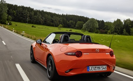 2019 Mazda MX-5 Miata 30th Anniversary Edition Rear Three-Quarter Wallpapers 450x275 (42)