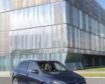 2019 Mercedes-Benz B-Class Front Three-Quarter Wallpaper 150x120 (23)