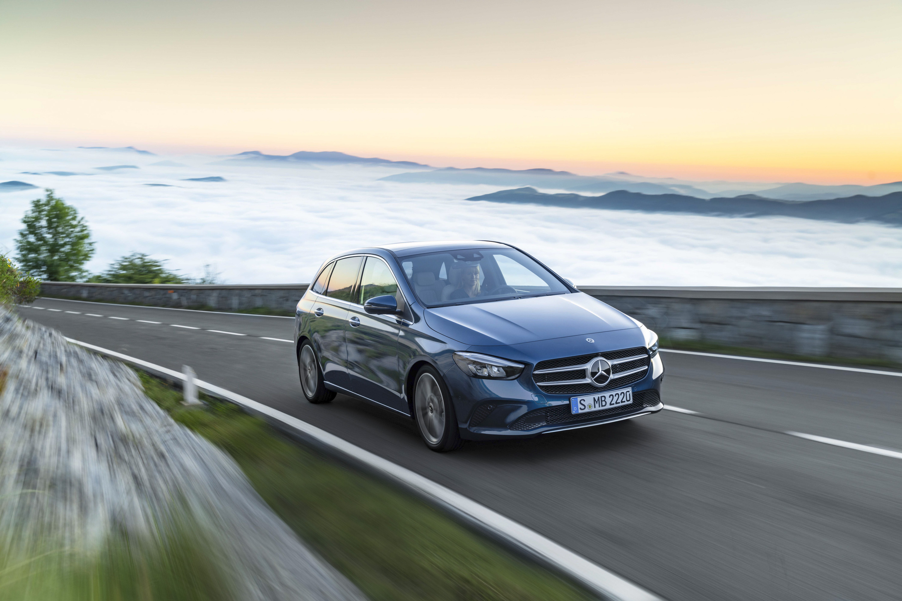 2019 Mercedes-Benz B-Class Front Three-Quarter Wallpapers (1)
