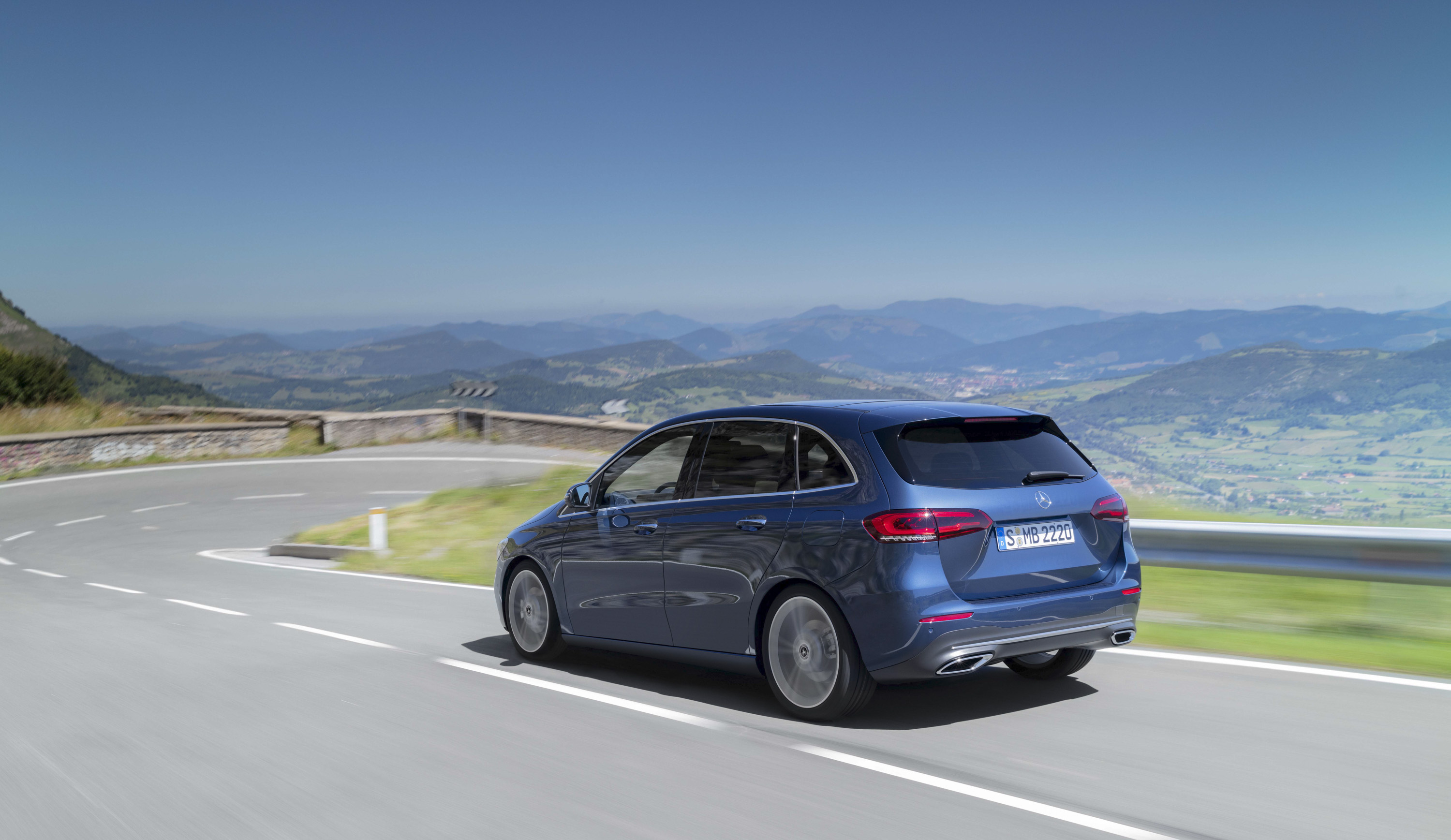 2019 Mercedes-Benz B-Class Rear Three-Quarter Wallpapers (3)