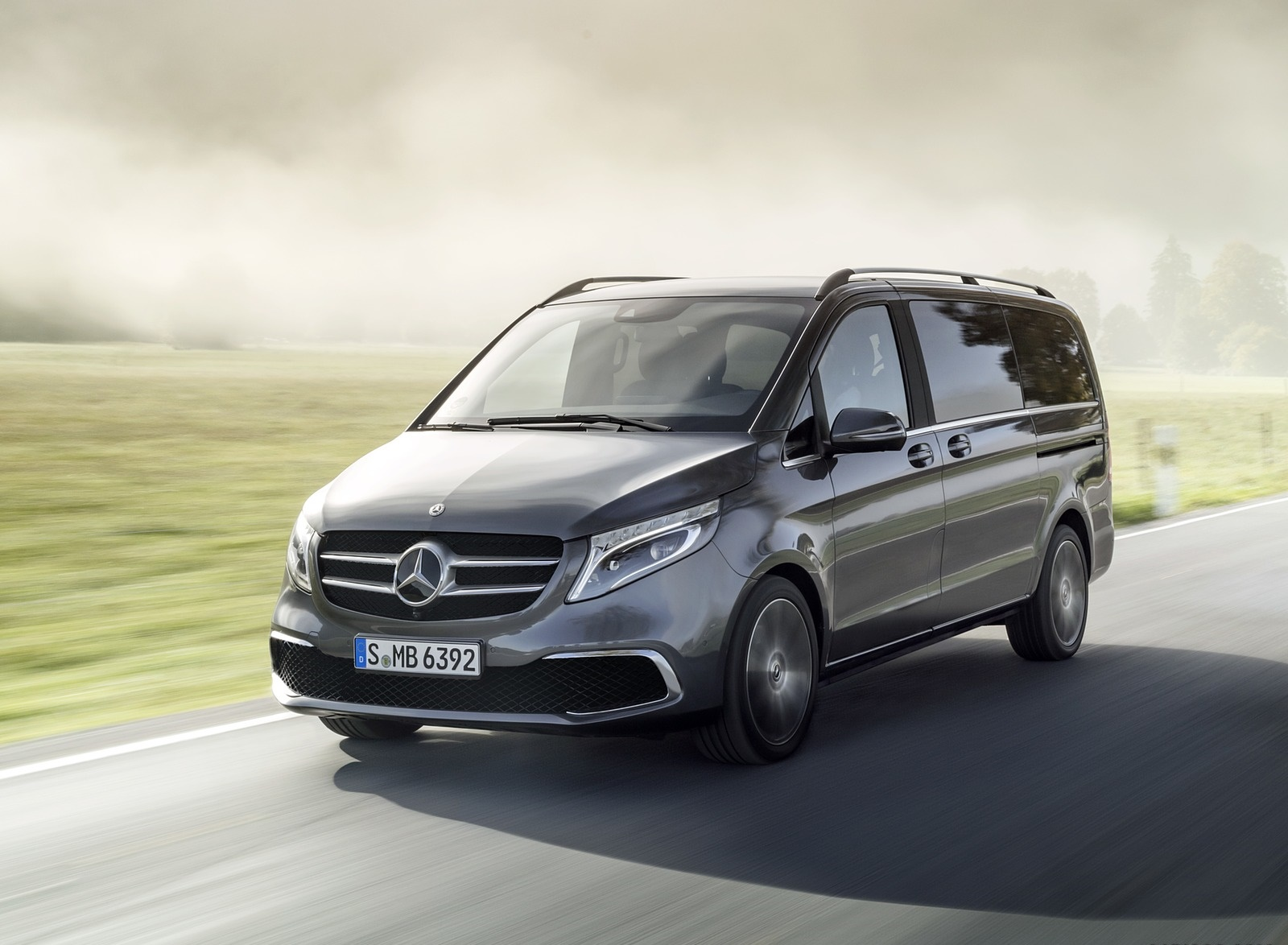2019 Mercedes-Benz V-Class EXCLUSIVE Line (Color: Selenit Grey Metallic) Front Three-Quarter Wallpaper (1)