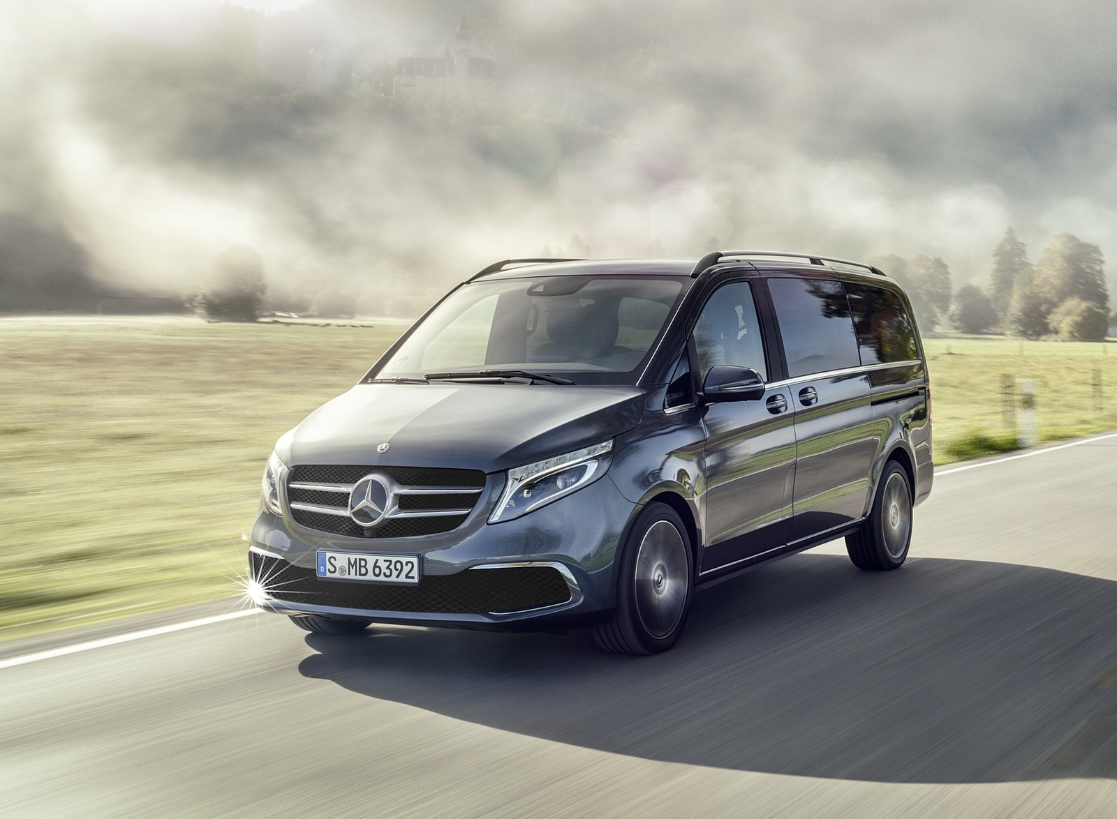 2019 Mercedes-Benz V-Class EXCLUSIVE Line (Color: Selenit Grey Metallic) Front Three-Quarter Wallpapers (8)