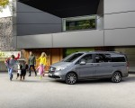 2019 Mercedes-Benz V-Class EXCLUSIVE Line (Color: Selenit Grey Metallic) Front Three-Quarter Wallpaper 150x120 (16)