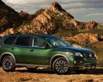 2019 Nissan Pathfinder Rock Creek Edition Front Three-Quarter Wallpapers 150x120 (2)
