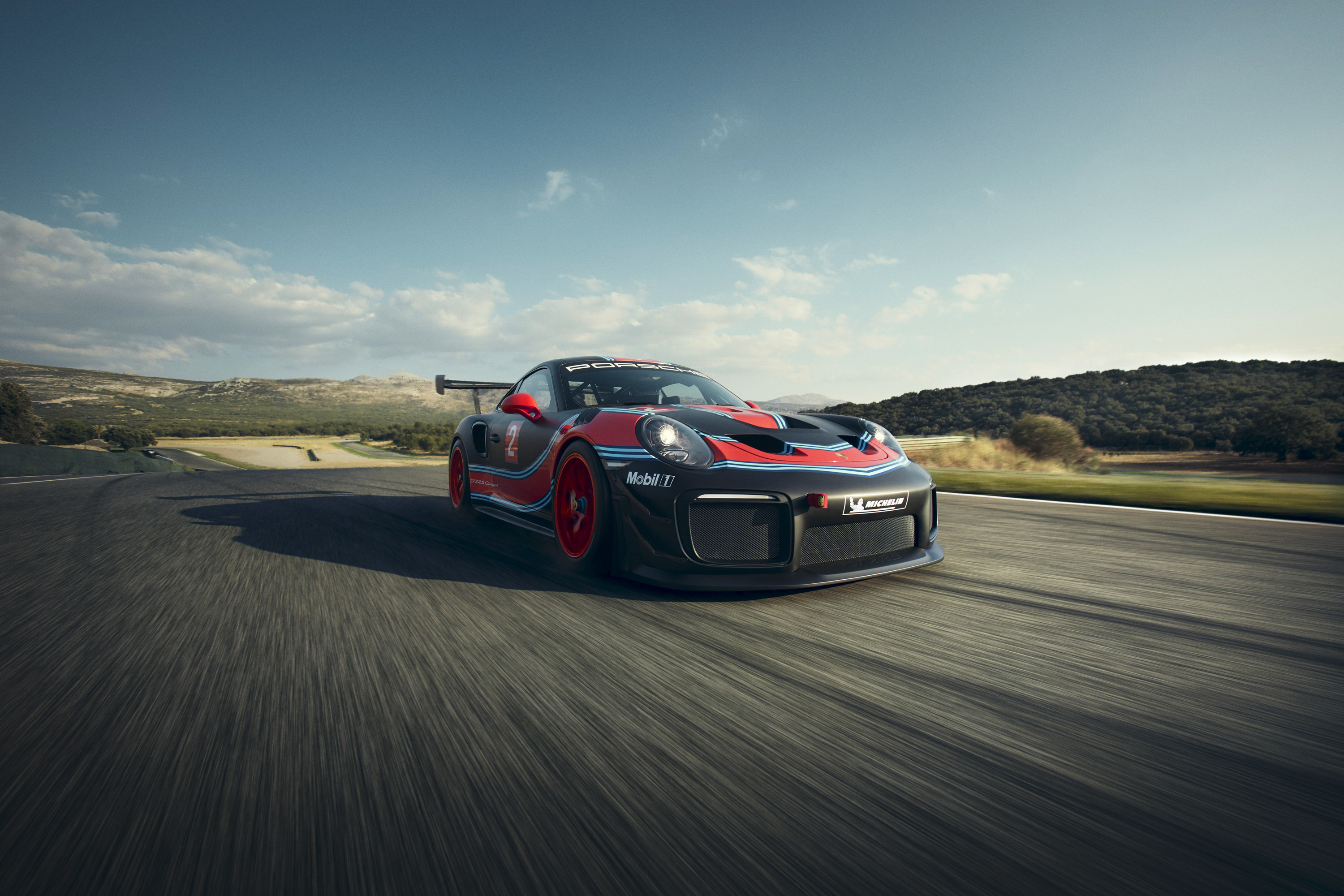 2019 Porsche 911 GT2 RS Clubsport Front Three-Quarter Wallpaper (1)