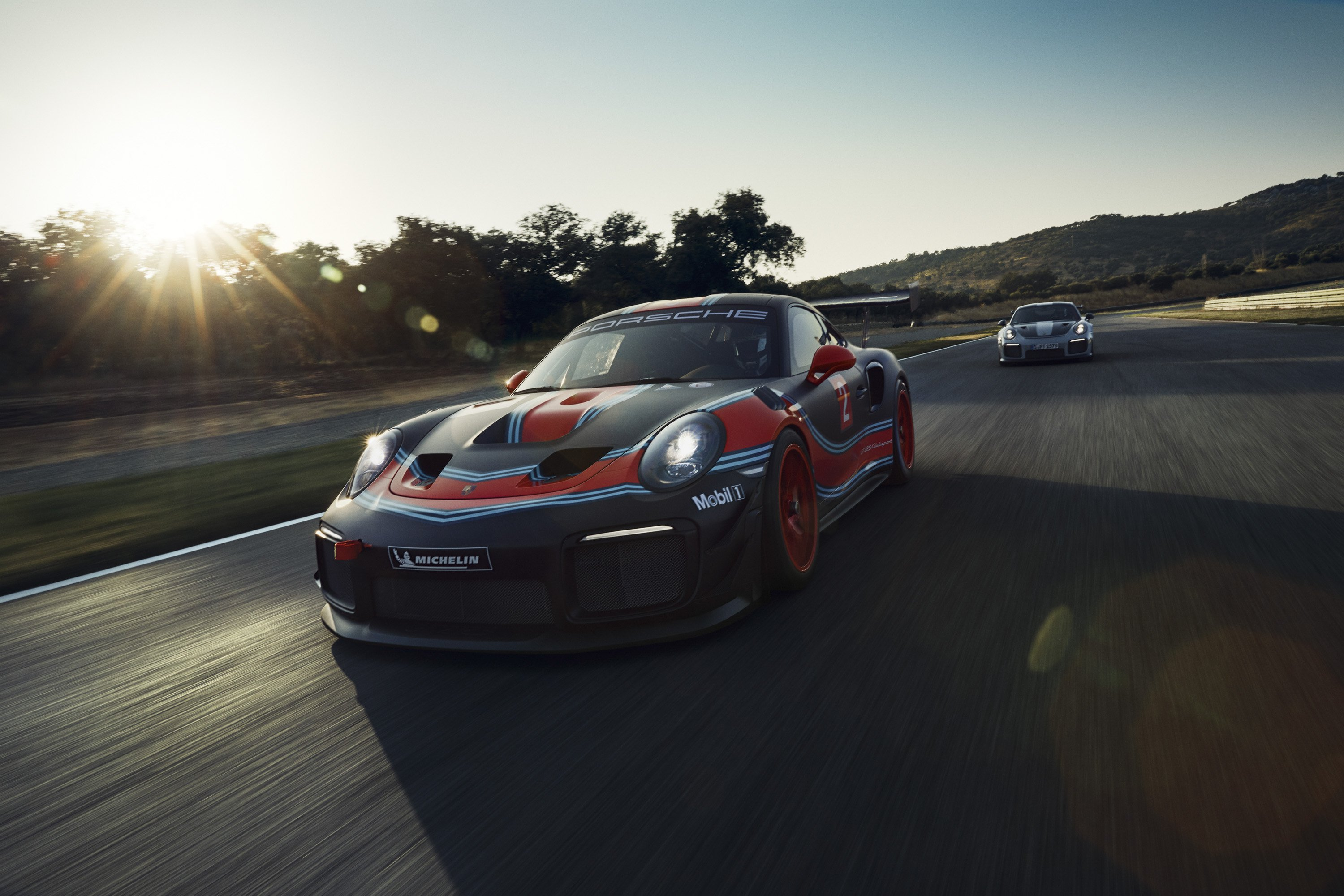 2019 Porsche 911 GT2 RS Clubsport Front Three-Quarter Wallpaper (2)