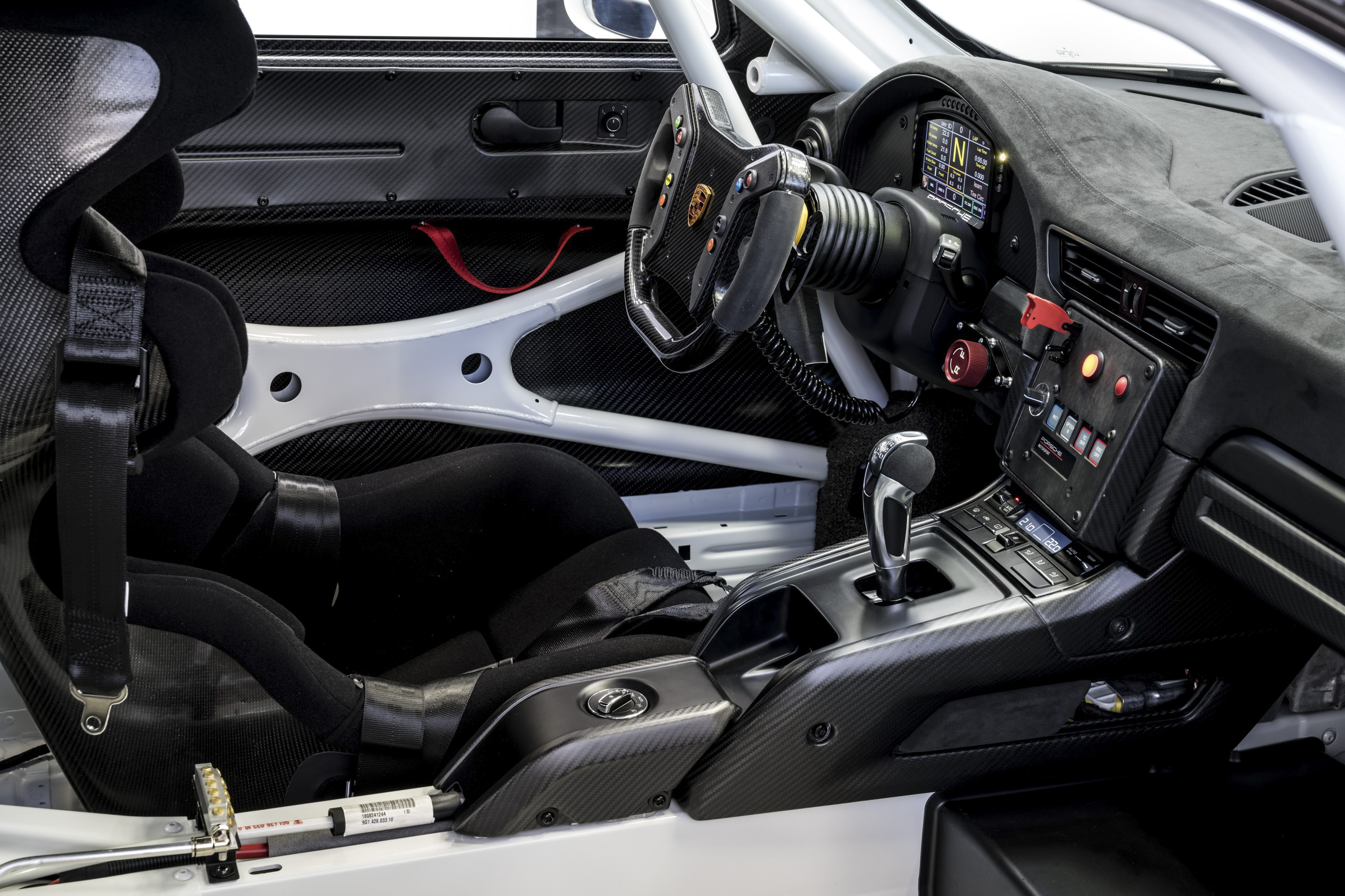 2019 Porsche 911 GT2 RS Clubsport Interior Wallpaper (8)