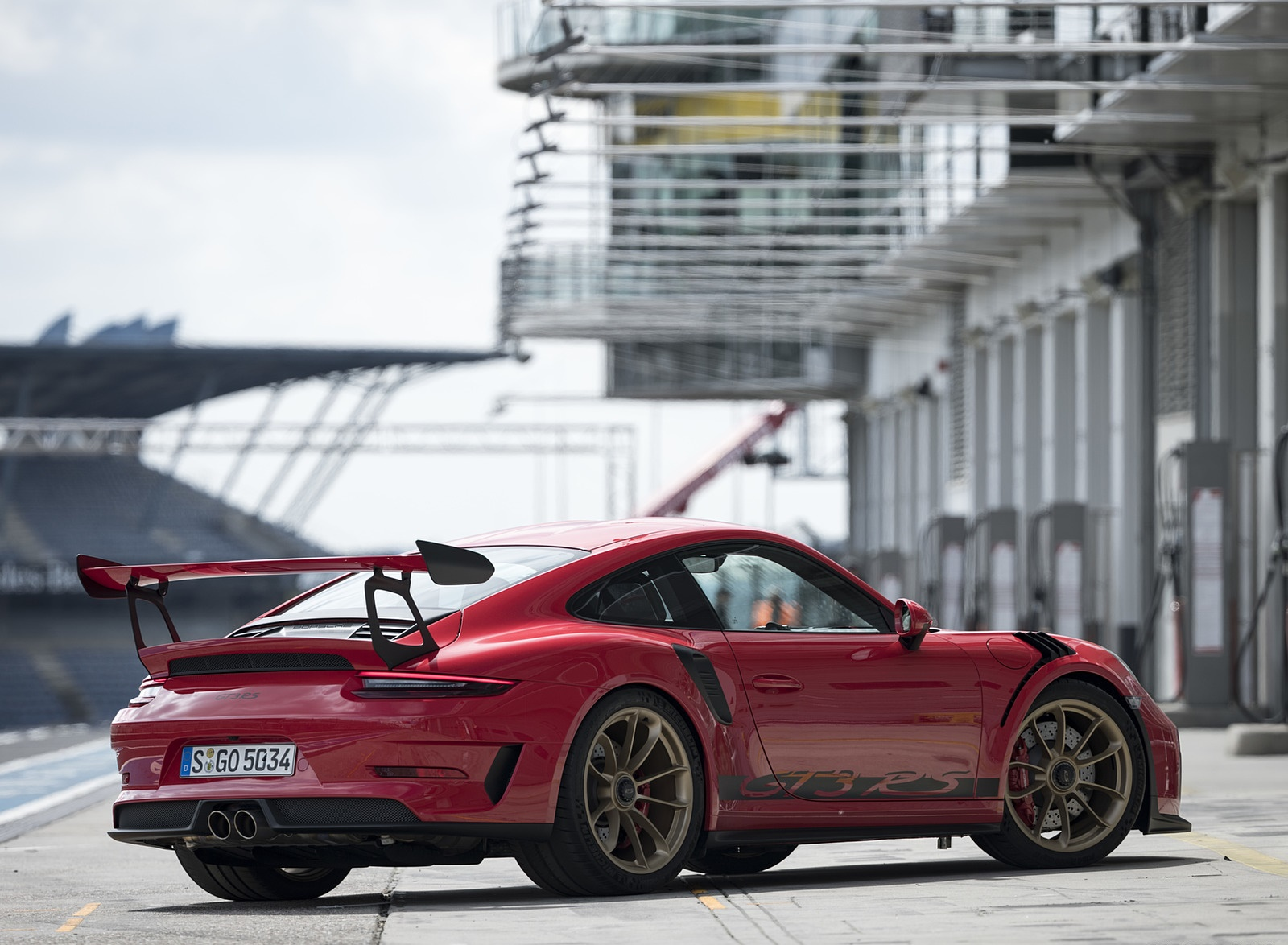 2019 Porsche 911 Gt3 Rs Color Guards Red Rear Three Quarter Wallpapers 119 Newcarcars
