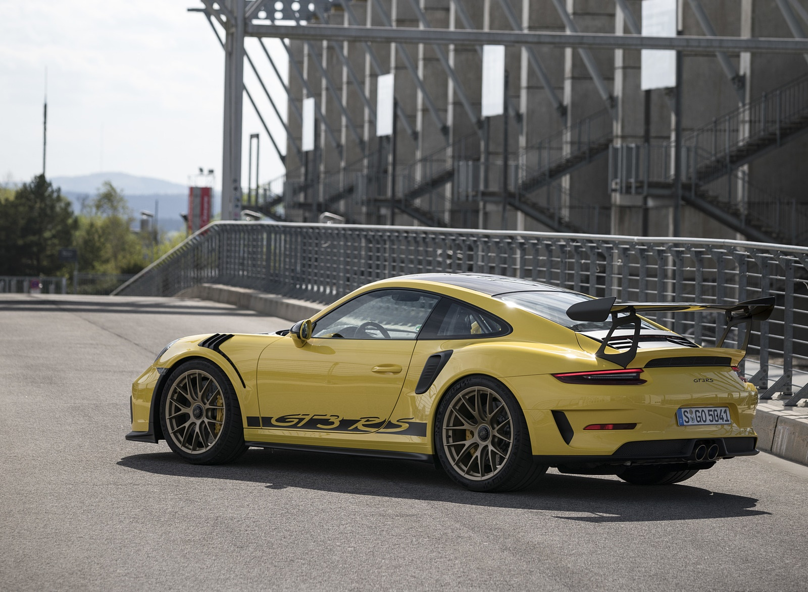 2019 Porsche 911 GT3 RS Weissach Package (Color: Racing Yellow) Rear Three-Quarter Wallpaper (15)
