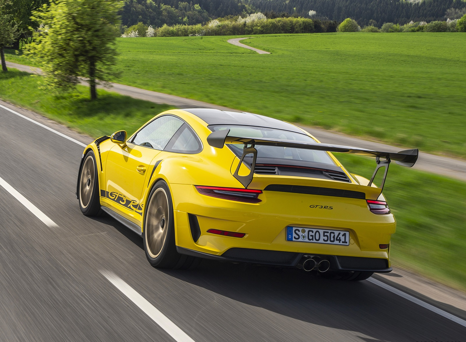 2019 Porsche 911 GT3 RS Weissach Package (Color: Racing Yellow) Rear Three-Quarter Wallpaper (5)