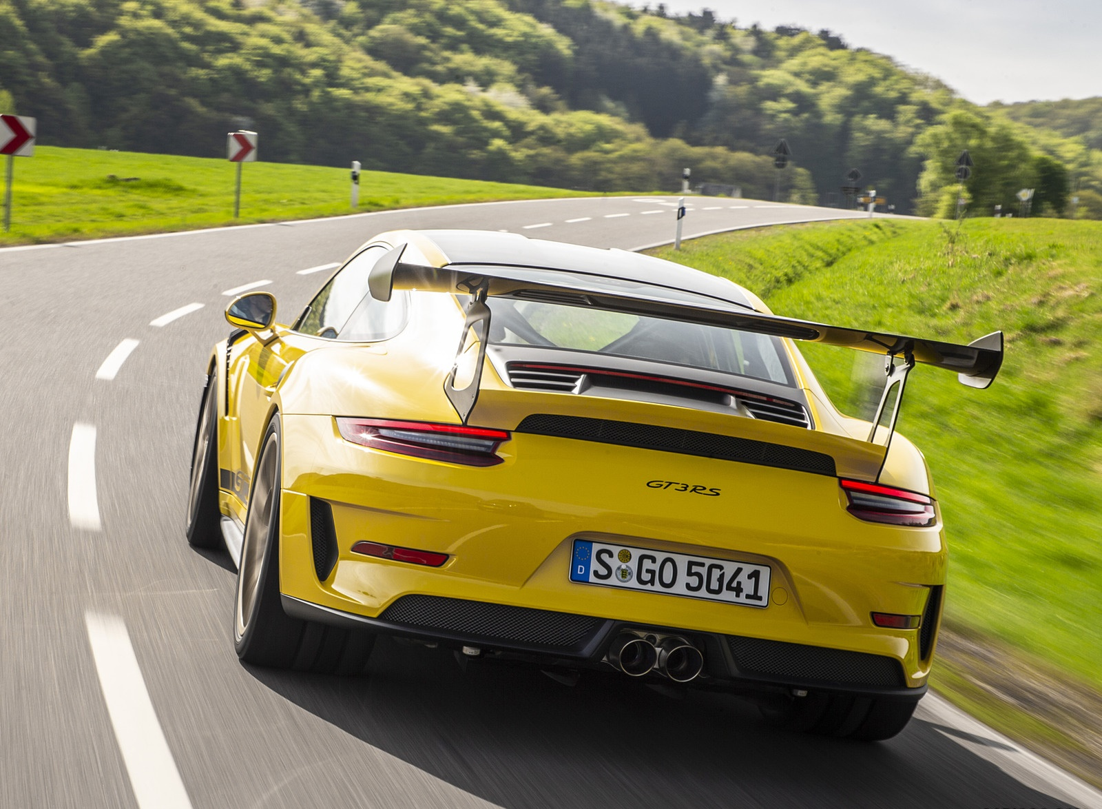 2019 Porsche 911 GT3 RS Weissach Package (Color: Racing Yellow) Rear Wallpaper (6)