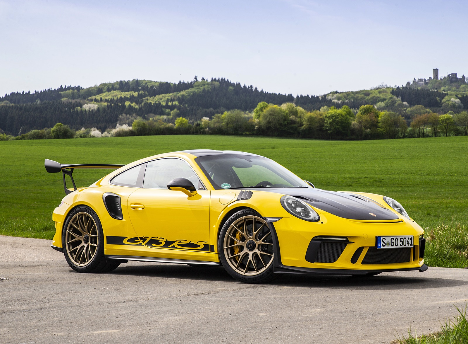2019 Porsche 911 GT3 RS Weissach Package (Color: Racing Yellow) Side Wallpaper (11)