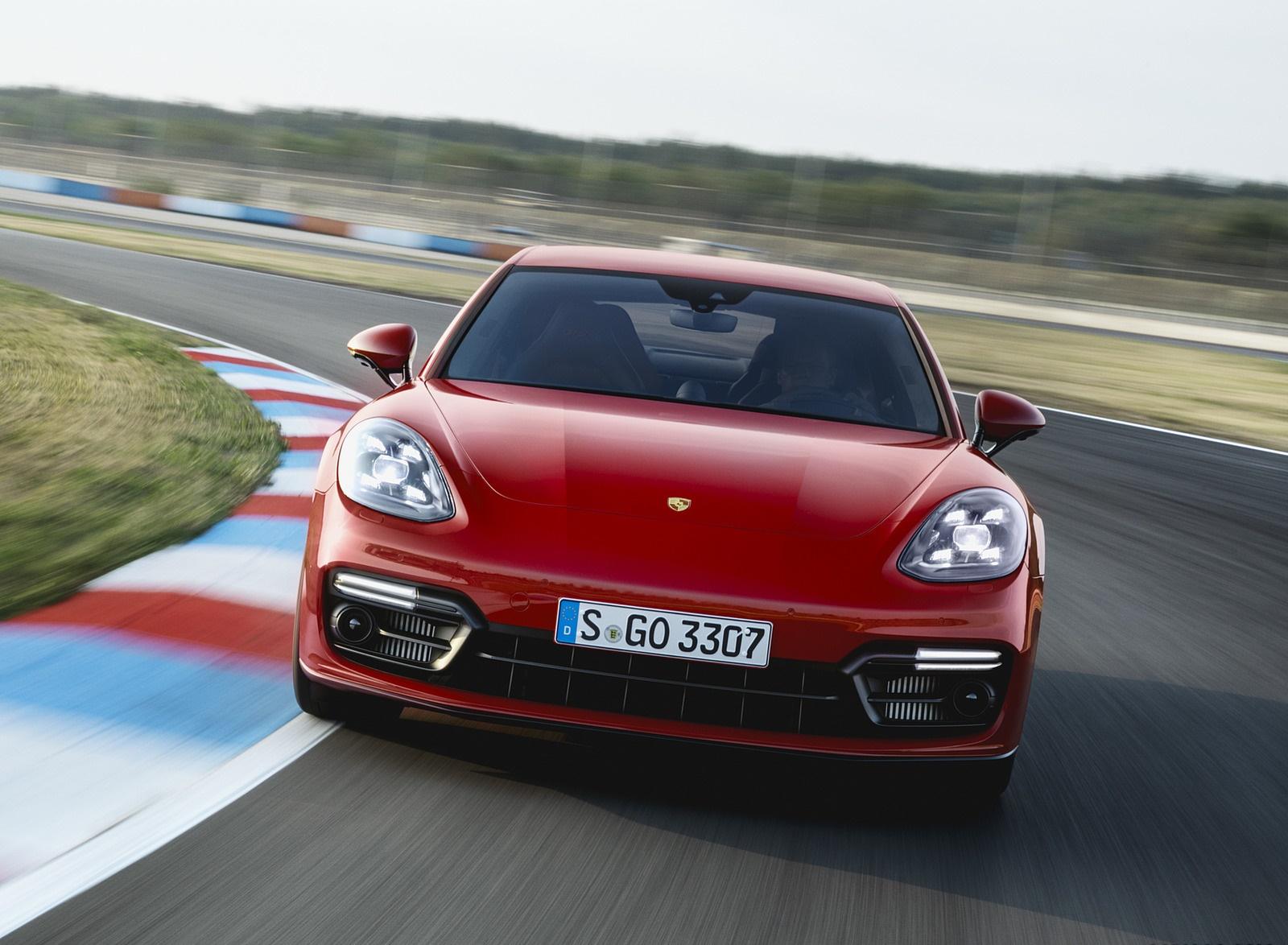 2019 Porsche Panamera GTS (Color: Carmine Red) Front Wallpaper (4)