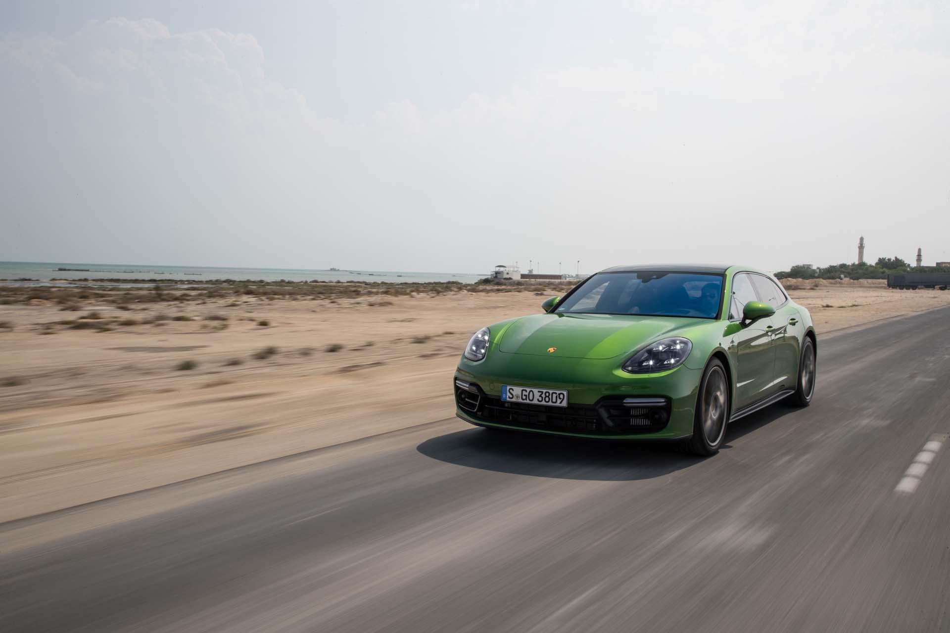 2019 Porsche Panamera GTS (Color: Mamba Green Metallic) Front Three-Quarter Wallpapers (13)